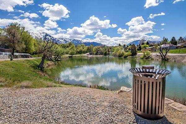 lake-front-trash-receptacles